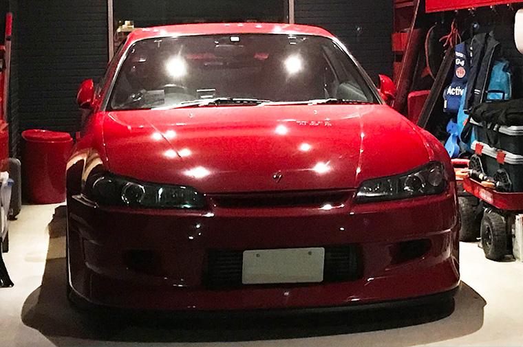 Mr. Noguchi's beloved car is painted in SAZABI-style colors.